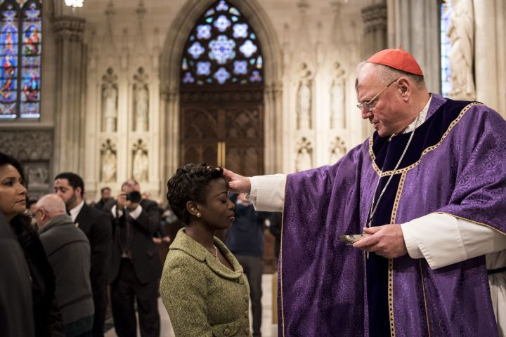 new-york-catholics-attend-ash-wednesday-mass