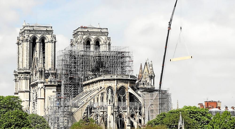 reconstruction notre dame de paris