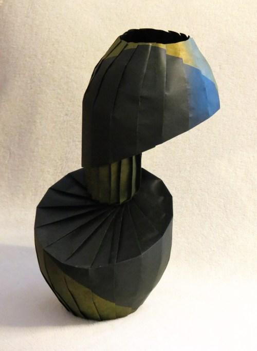 Rotated Diagonal Shift Vase