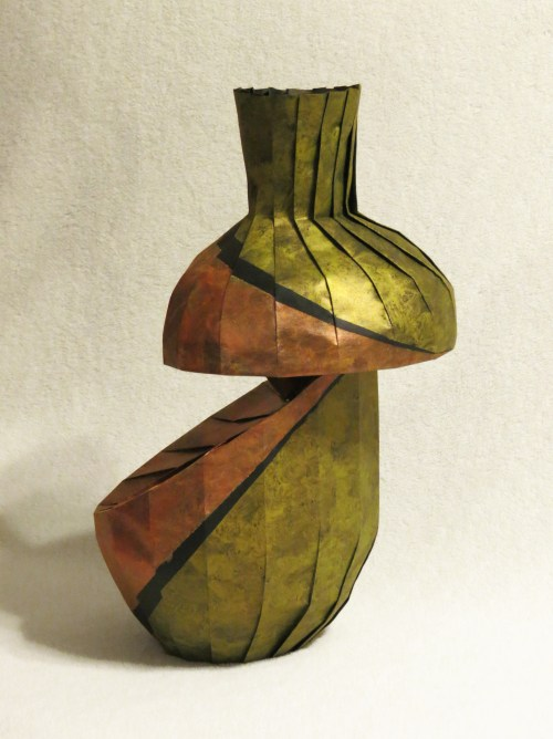 Diagonal shift variant vase 2