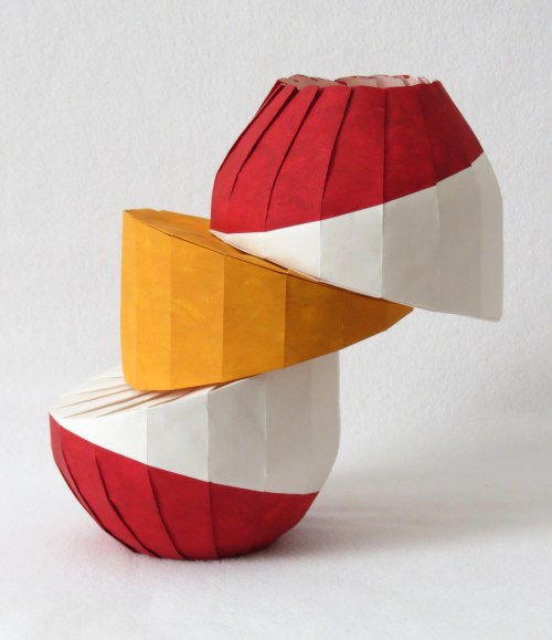 Uphill/downhill diagonal shift vase 2