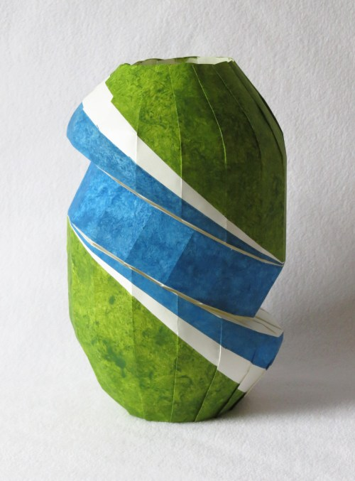 Doubly bent vase