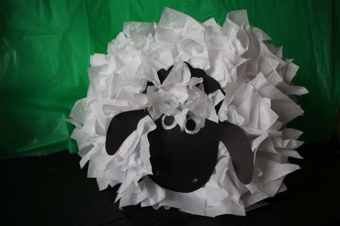 Shaun the Sheep Pinata