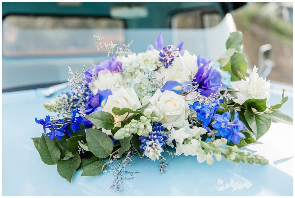 Bridal bouquet. Purple. Green. White.