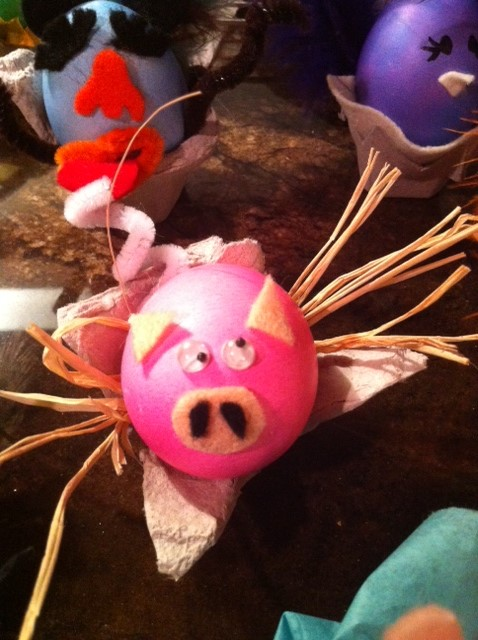 easter egg decorations pig