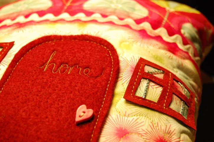 House Pillows sewing tutorial