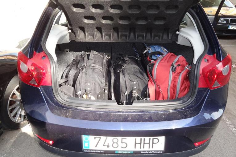 2013 06 02 Seat Ibiza 4 door trunk