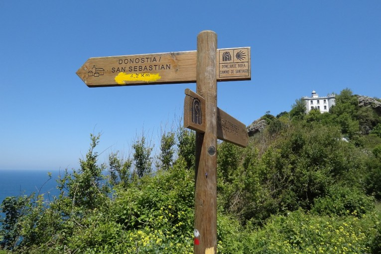 Mount Ulia trail near the Faro de la Plata (Silver Lighthouse)