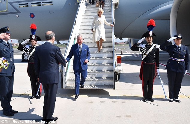 3EED772700000578-4378538-Hectic_schedule_The_royal_couple_pictured_today_have_spent_the_l-a-15_1491330413924.jpg