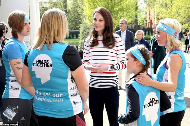 3F63B37900000578-4425558-The_Duchess_of_Cambridge_hosted_the_athletes_running_for_Heads_T-a-70_1492618605163.jpg