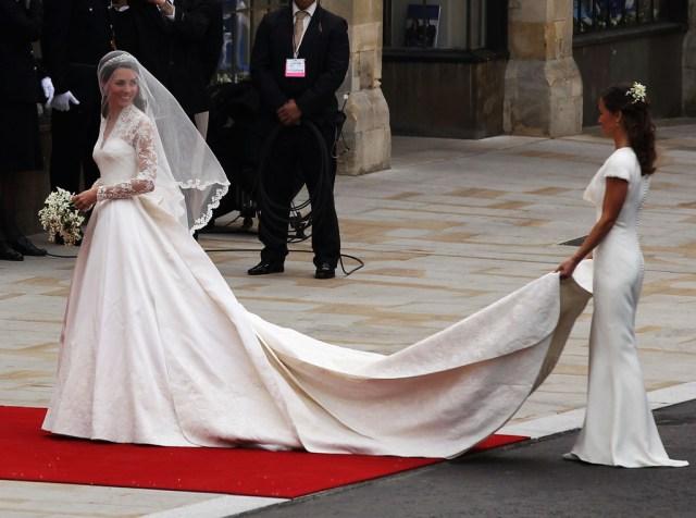 Royal+Wedding+Wedding+Guests+Party+Make+Their+5M7YVezXDKgx.jpg
