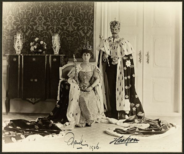 800px-Queen_Maud_and_King_Haakon_VII,_1906