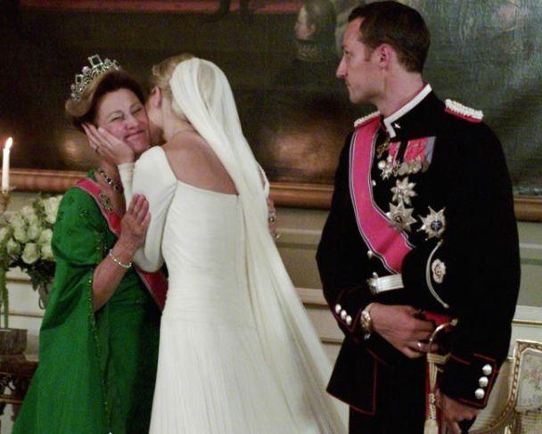 9c2de04f42cff44ff605fd10011380e3--mette-marit-royal-weddings