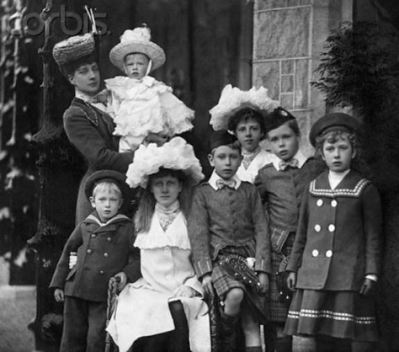 Queen Alexandra and her Grandchildren