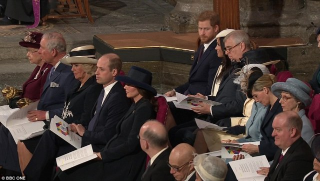 4A1F5A2E00000578-5489227-Harry_and_Meghan_could_be_seen_exchanging_glances_following_Liam-a-343_1520871900572.jpg