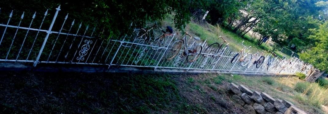 salado-bike-fence-1