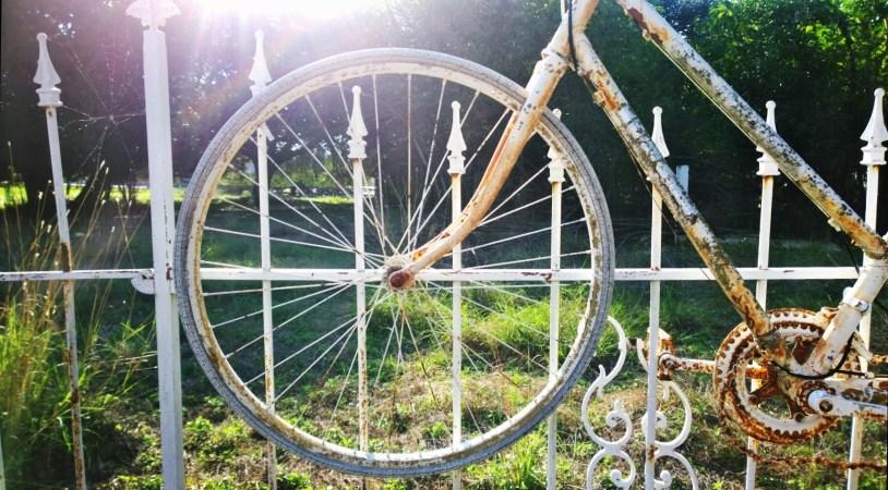 salado-bike-fence-7