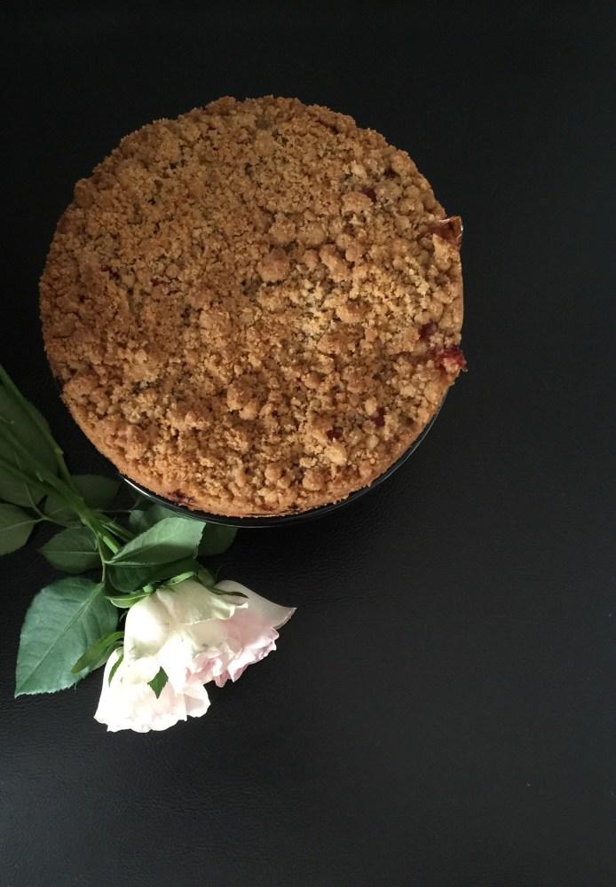 Rabarber- & Jordgubbskaka med knaprig smuldeg (4/4)