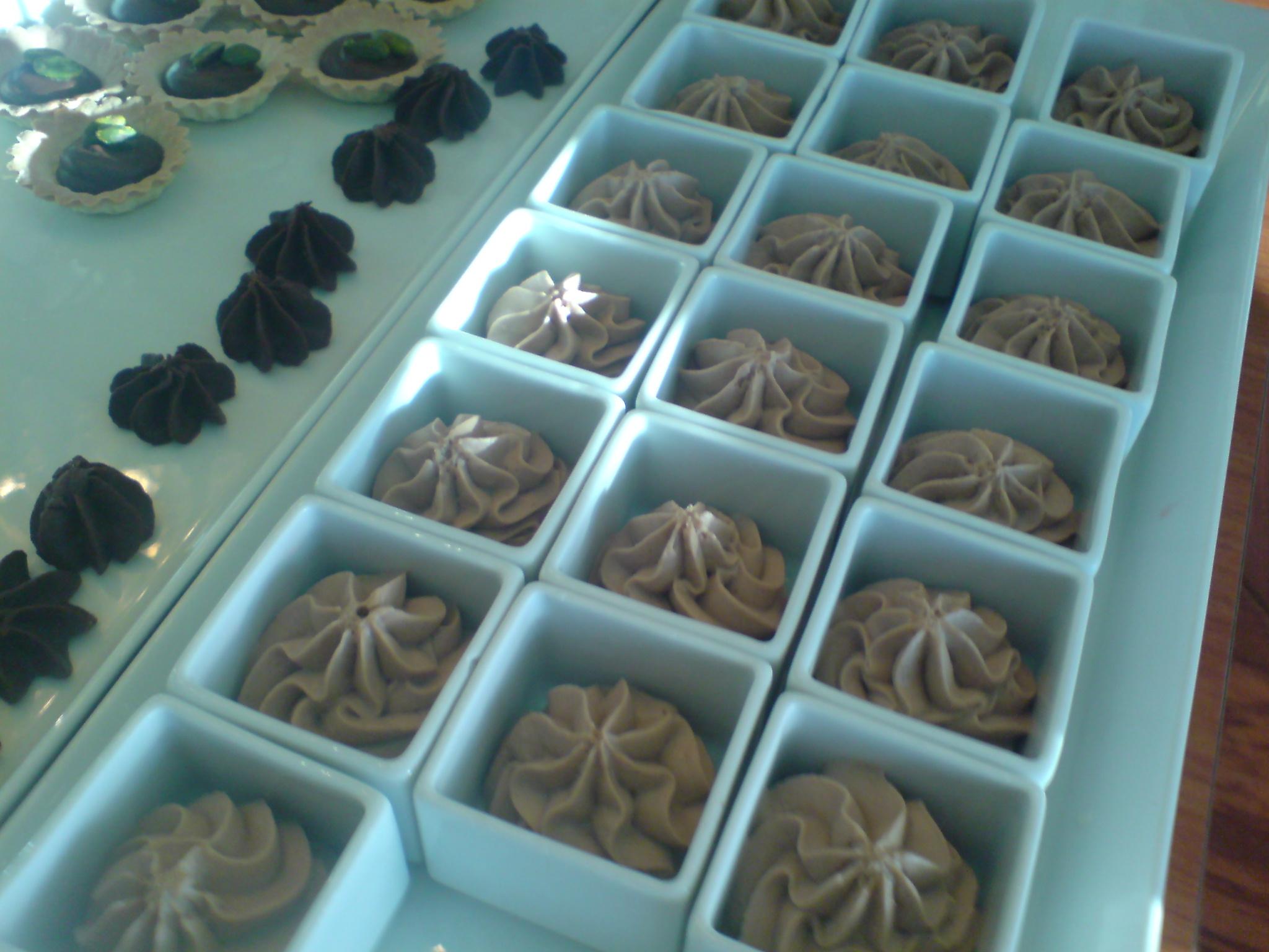 Mjölkchokladmousse smaksatt med Bailey's från Viking Cinderellas dessertbord