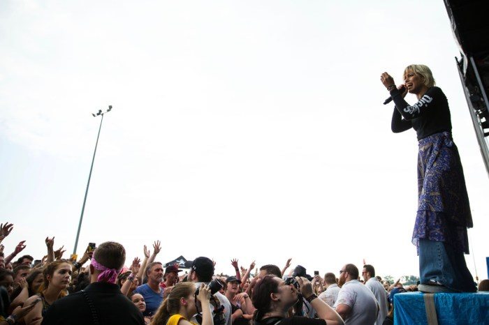 Warped Tour - Tonight Alive