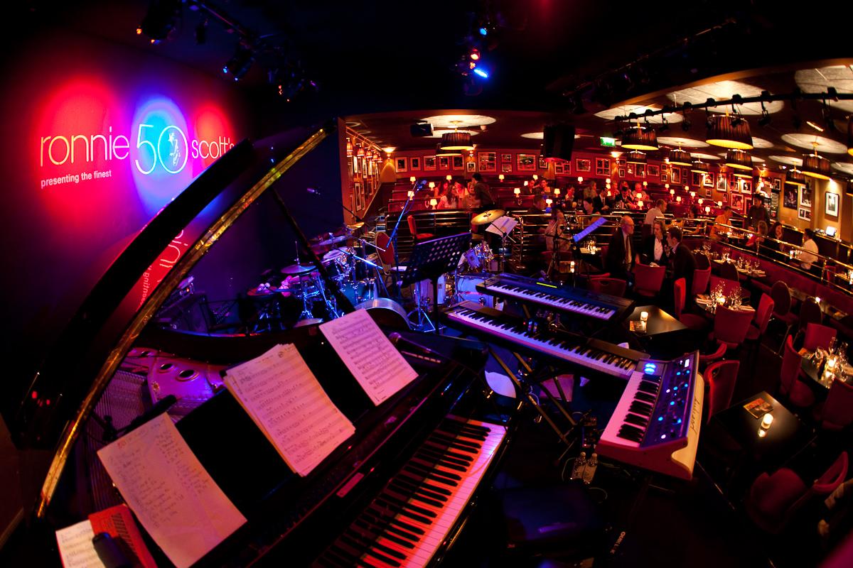 Incognito live @ the legendary Ronnie Scott's