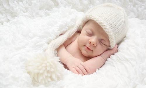 У новорожденного мокнет пупок, плохо заживает и гноится: что делать родителям? Что делать если гноится пупок.