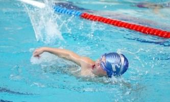 Юный пловец