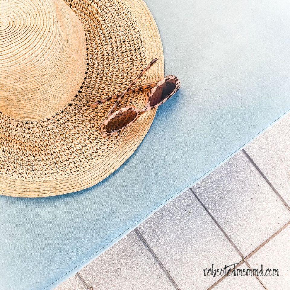 beach hat depression
