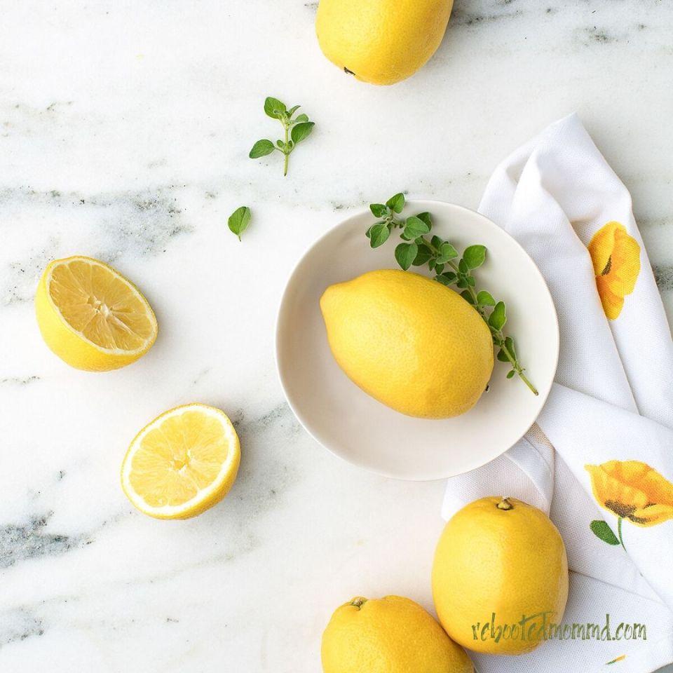 lemons in a bowl