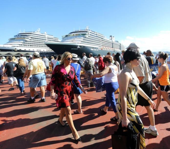 Image result for turistas cruceros