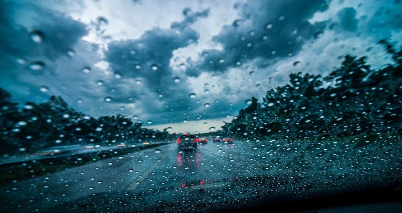 Conducir con lluvia 1920