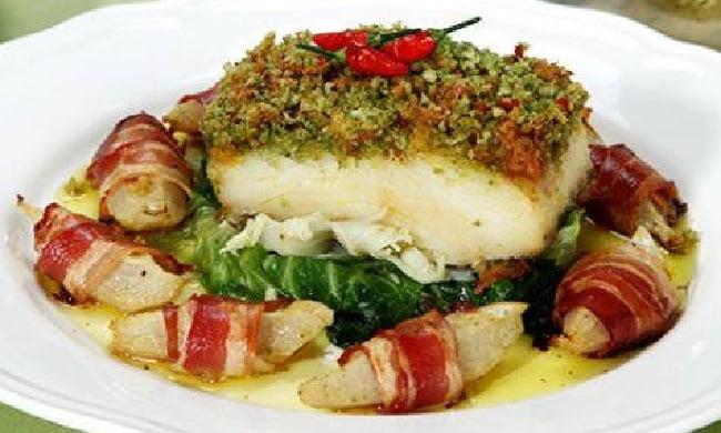 Receita de Bacalhau Assado com Chuchu e Bacon