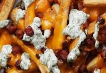 Receita de Mandioca frita com queijo e bacon