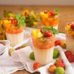 Pudim de Tapioca com Salada de Frutas