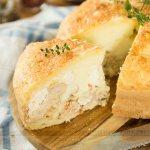 Torta de Pão de Queijo de Frango com Catupiry