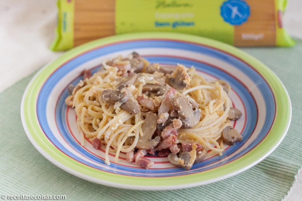 Esparguete Sem Glúten com Bacon e Cogumelos