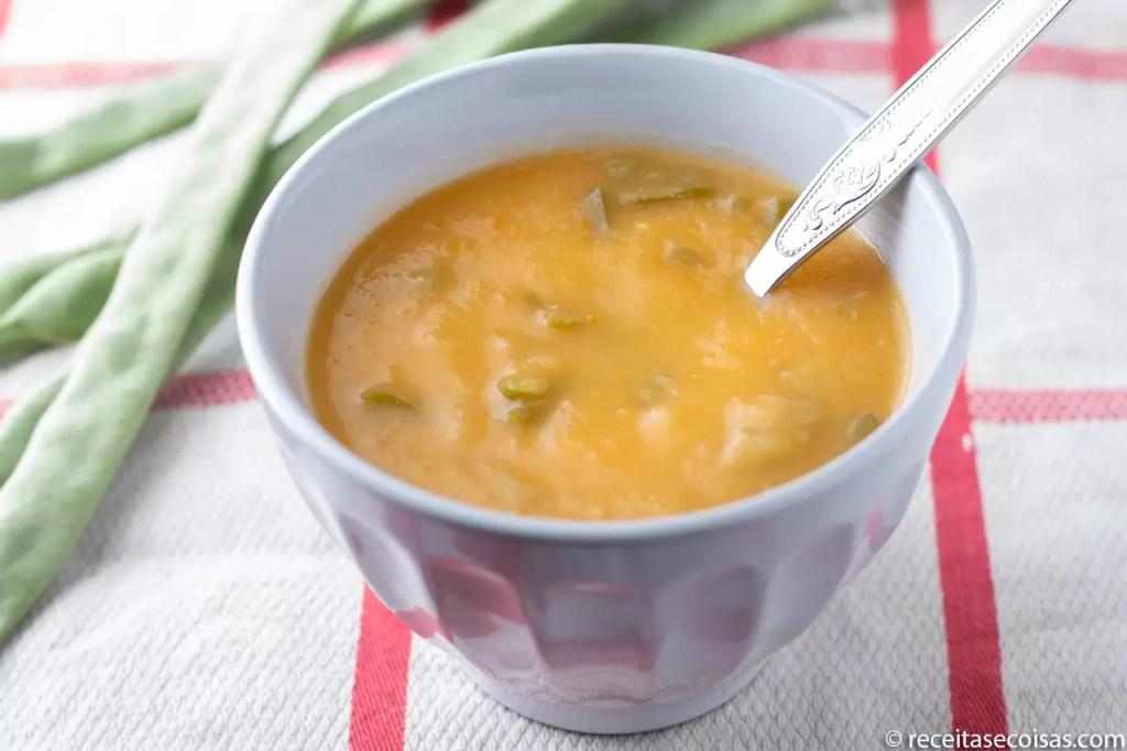 Sopa de feijão verde