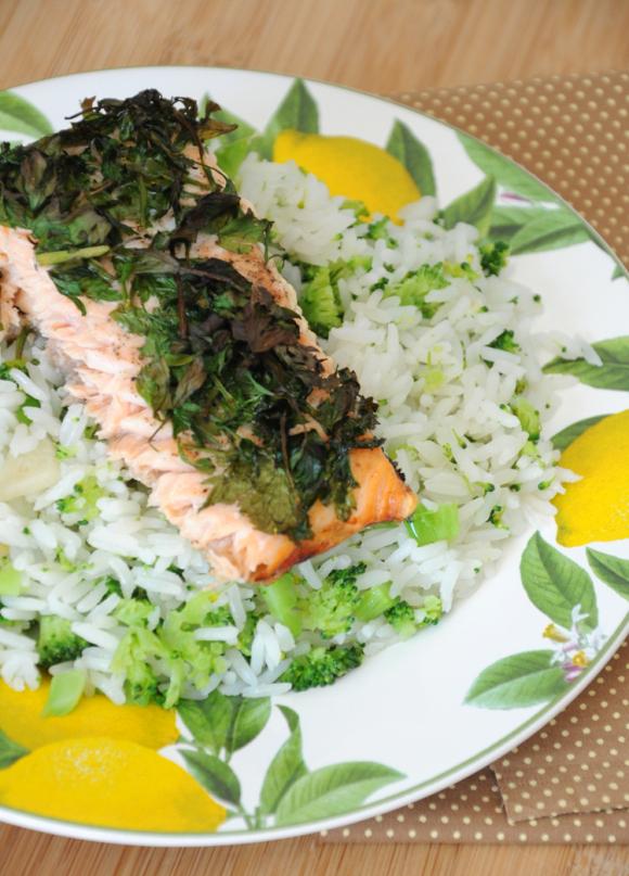 Salmão assada e arroz com brocolis