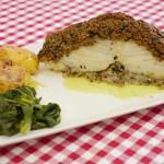 Bacalhau com crosta de broa e azeitonas