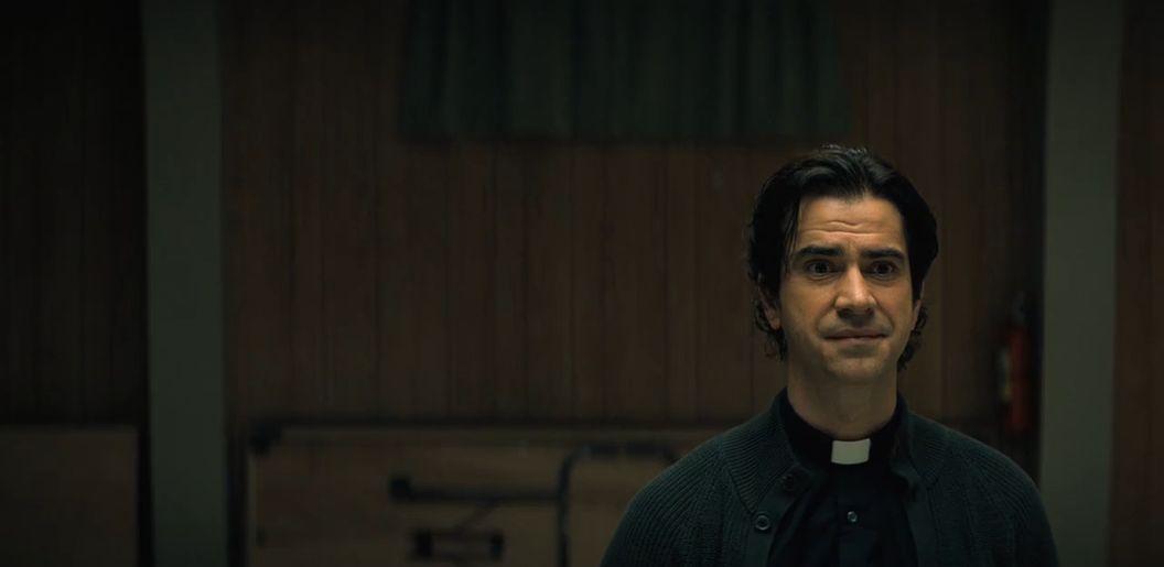Midnight-Mass-1x02
