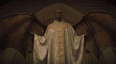 Midnight-Mass-1x06