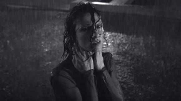 """Elisa """"Se piovesse il tuo nome"""" oggi sarebbe diverso da ieri - RECENSIONE"""