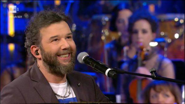 Ora o mai più, Paolo Vallesi vince la prima puntata