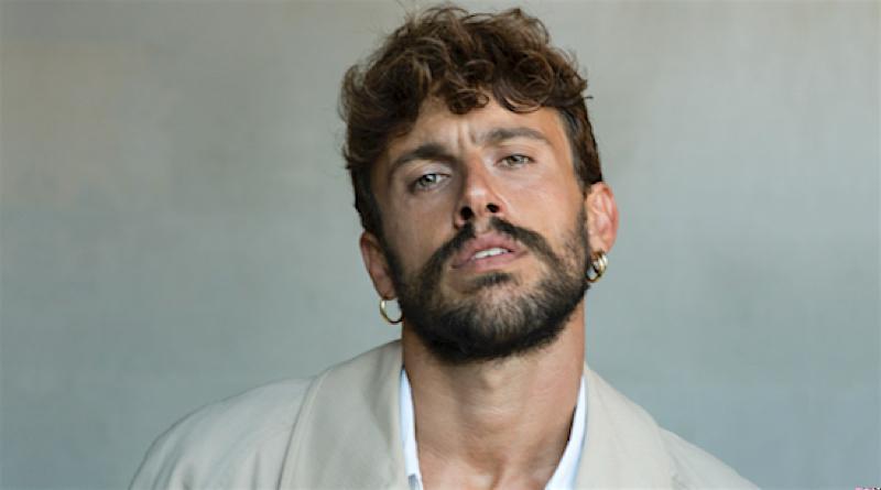 """Aiello resuscita la tradizione del pop-soul d'amore grazie ad un contemporaneo """"Ex-voto"""" – RECENSIONE"""