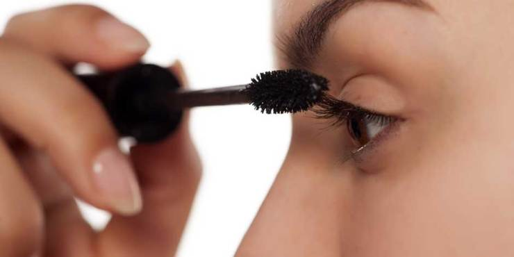 Brush Your Eyelashes