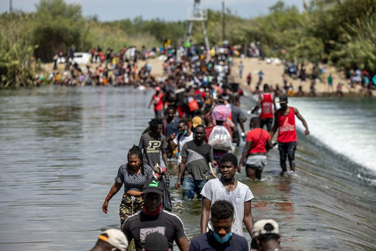 1632143035 889 Outrage as border agents on horseback round up Haitians for