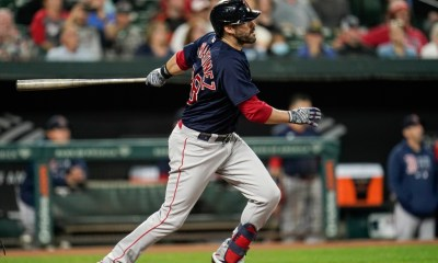 J.D. Martinez suffers left ankle sprain, may miss Red Sox' Wild Card game