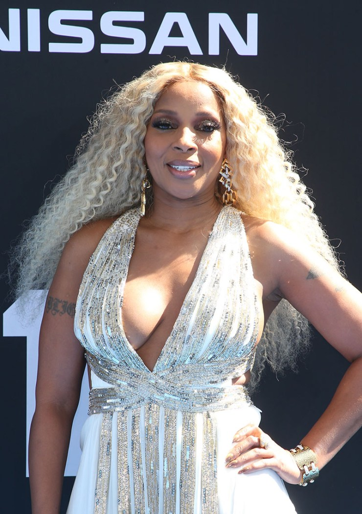 1633711752 574 Mary J Blige urges Black women to take breast cancer