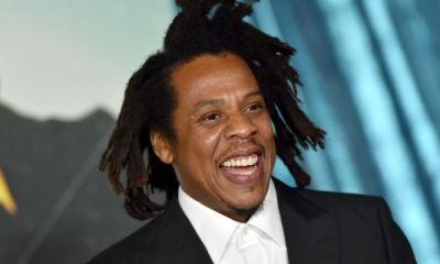 Hug-A-Fella: Jay Z's Priceless Moment With Kelly Rowland Sparks Hilarious Memes