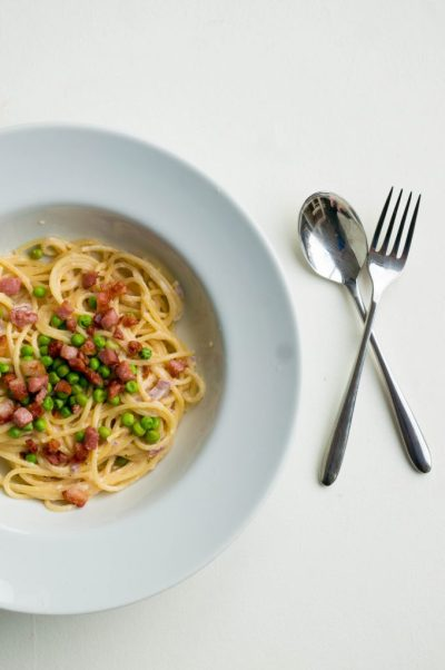Spaghetti met doperwten en bacon recept | Buzz in the Kitchen